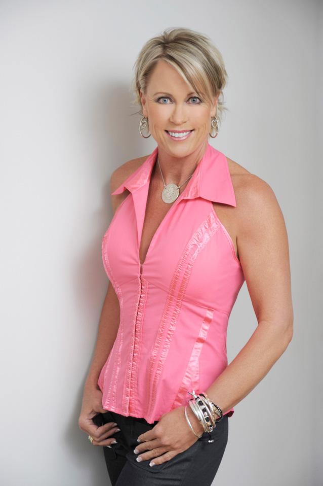 Lisa Curry AO MBE