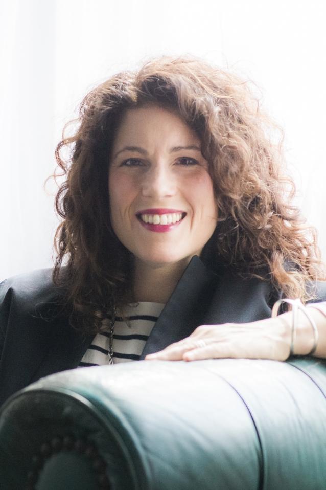 Dr Rebecca Huntley