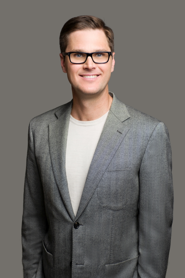 Dr Troye Wallett