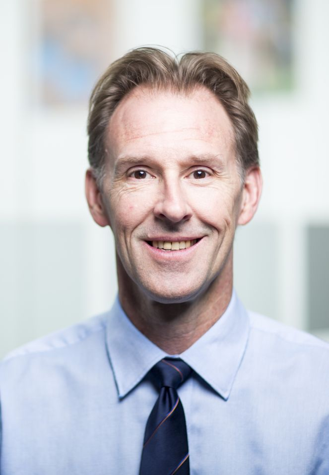 Dr David Cropley